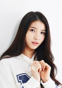 GFriend-Sowon-Ize-Magazine-2015-gfriend-38207147-700-1000